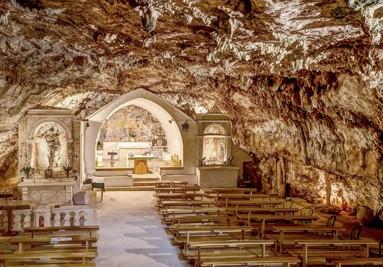 Chiesa Ipogea di San Michele in Monte Laureto